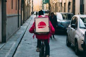 Quels sont les avantages de faire recours à un service de livraison de repas à domicile?